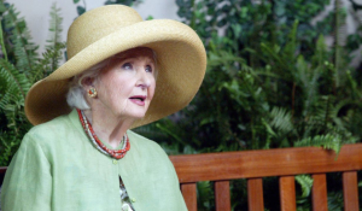 alice horton in hat days of our lives