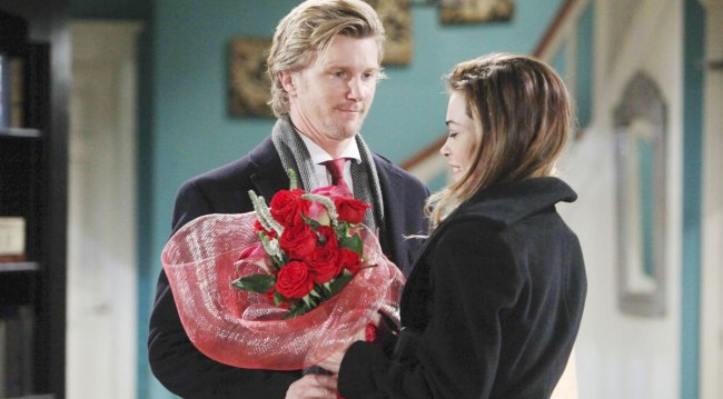 Y&R's JT gives Victoria flowers on Valentine's Day 2018 during better times